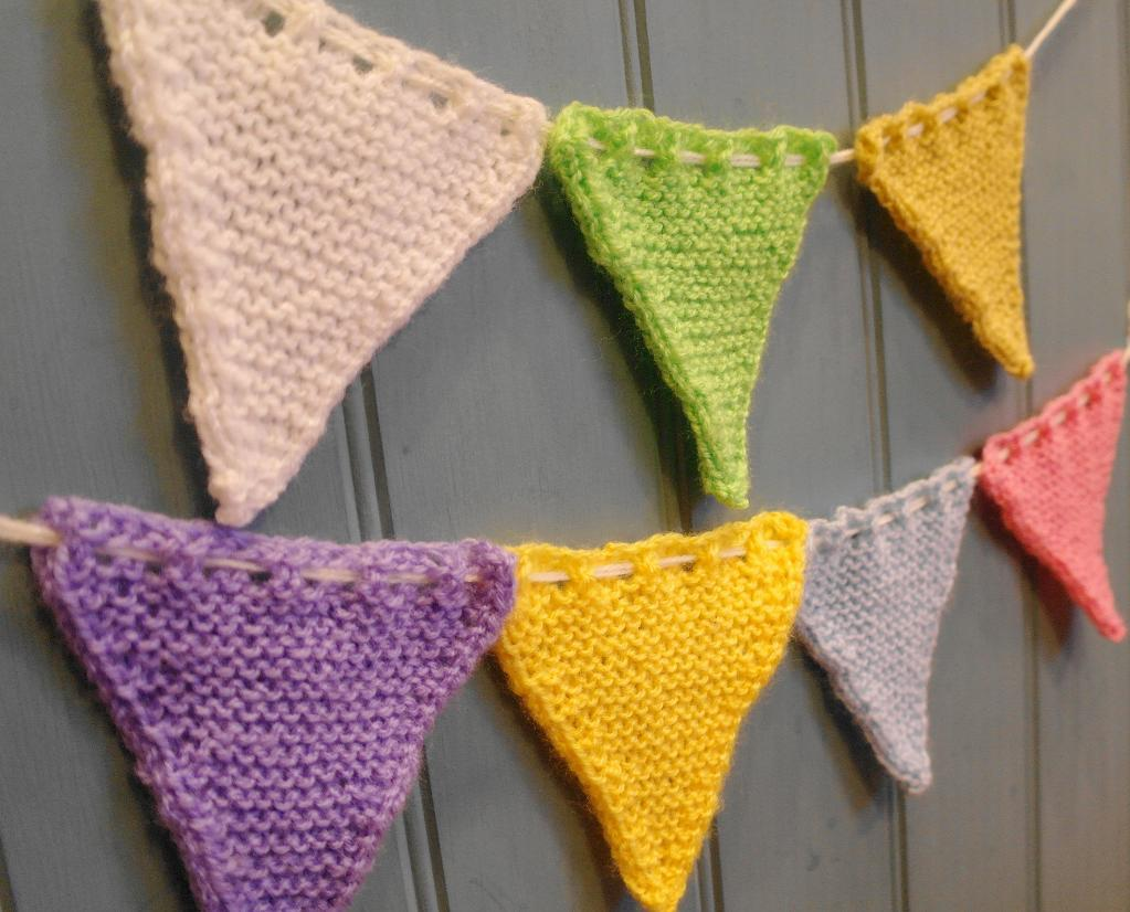 Free Bunting Flag FREE Knitting Pattern