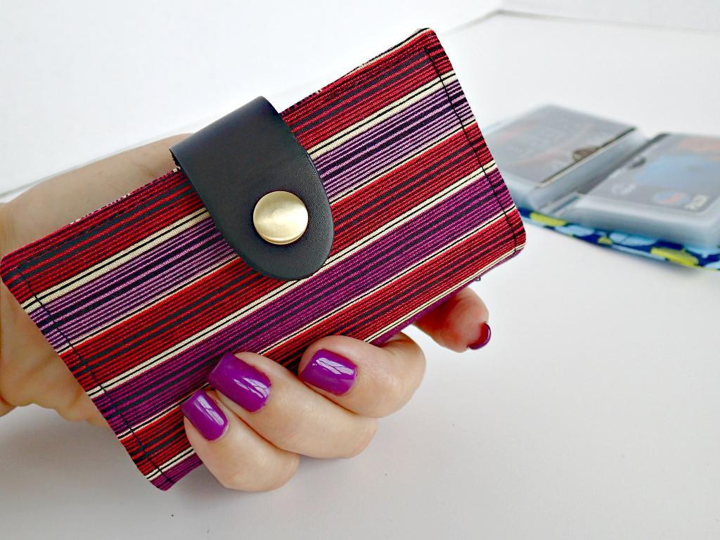 Simple Credit Card Wallet FREE Sewing Pattern