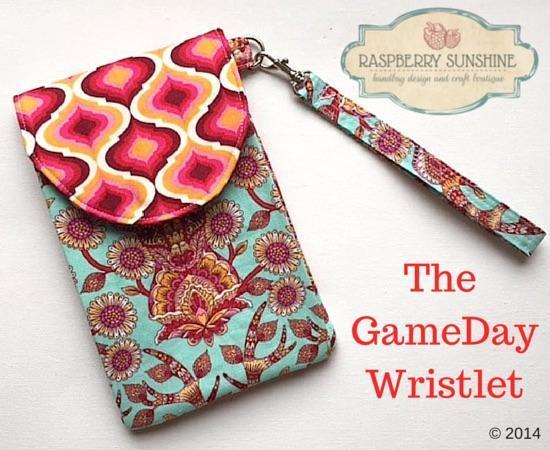 Game Day Wristlet FREE Sewing Pattern