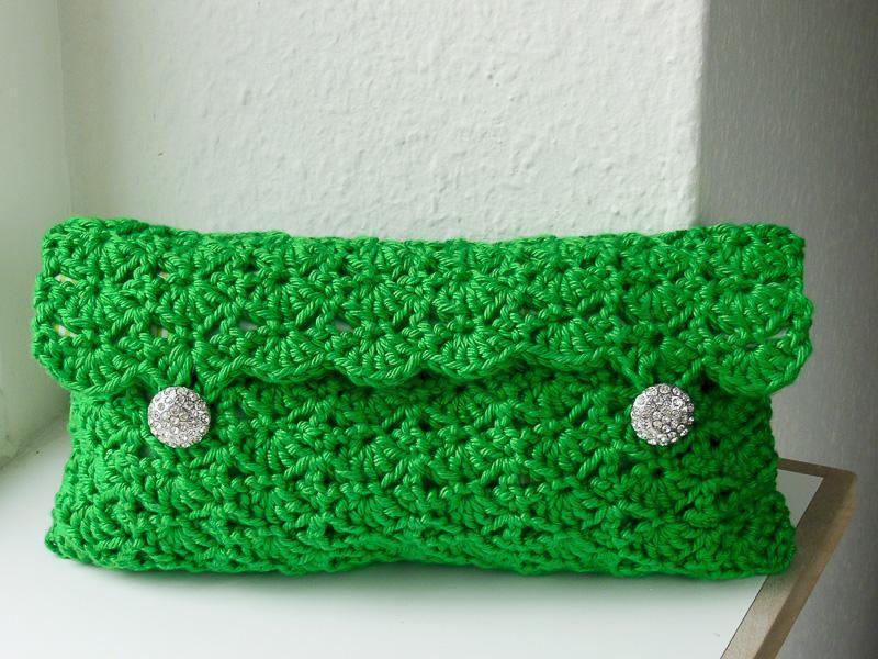 Emerald Clutch FREE Crochet Pattern