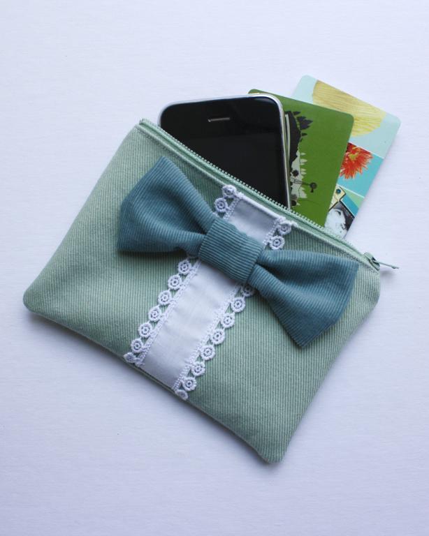 Big Bow Zipper Wallet FREE Sewing Pattern