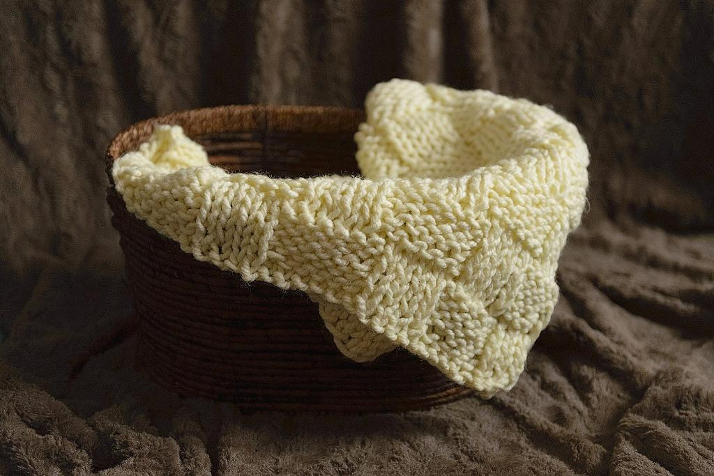 Basket Wave Chunky Baby Blanket Knitting Pattern