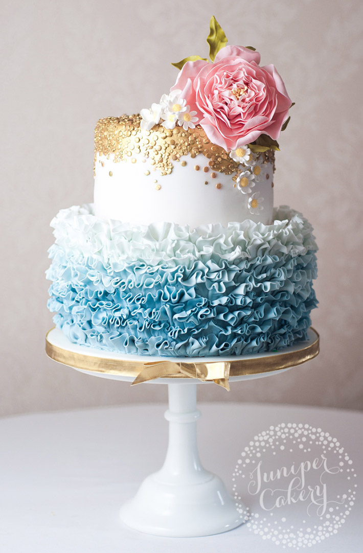 Carefree wedding cake trend for Summer