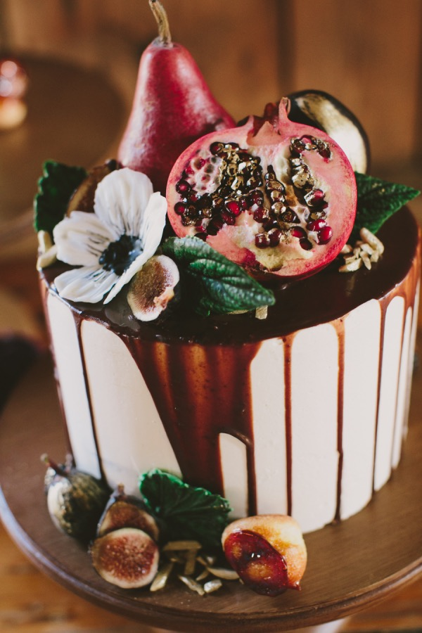 One Tier Wedding Cake | Cake by Erin Gardner | Bluprint