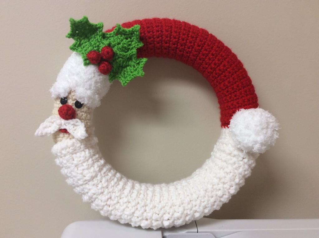 Santa Wreath Crochet Pattern