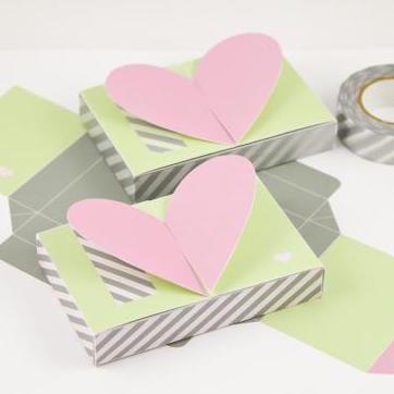 Heart Top Gift Card Holder