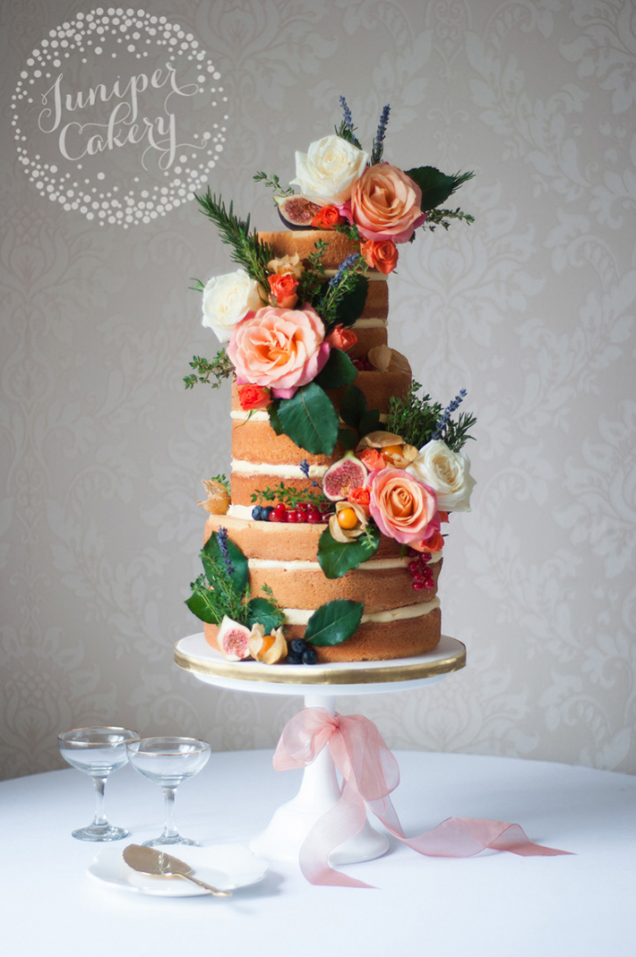 Rustic Autumn Naked Cake with Figs and Roses