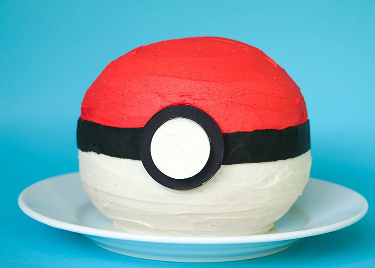 Pokemon Go! Pokeball Cake