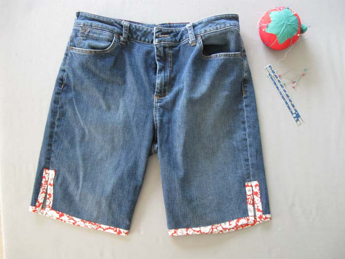 DIY Jean Shorts with a Contrasting Trim