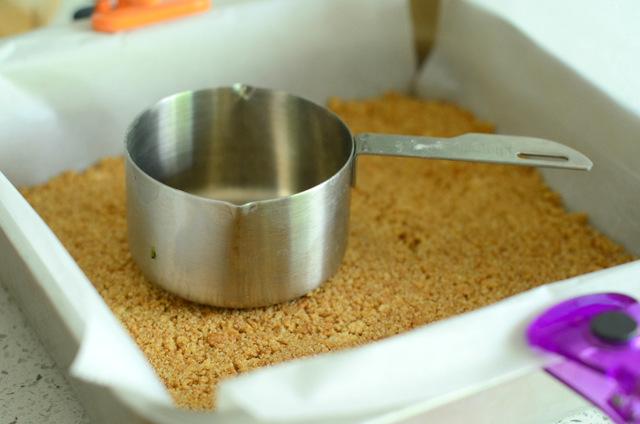 Making a No Bake Graham Cracker Crust