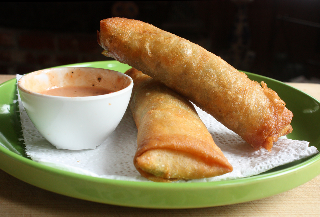 Egg rolls with comeback sauce