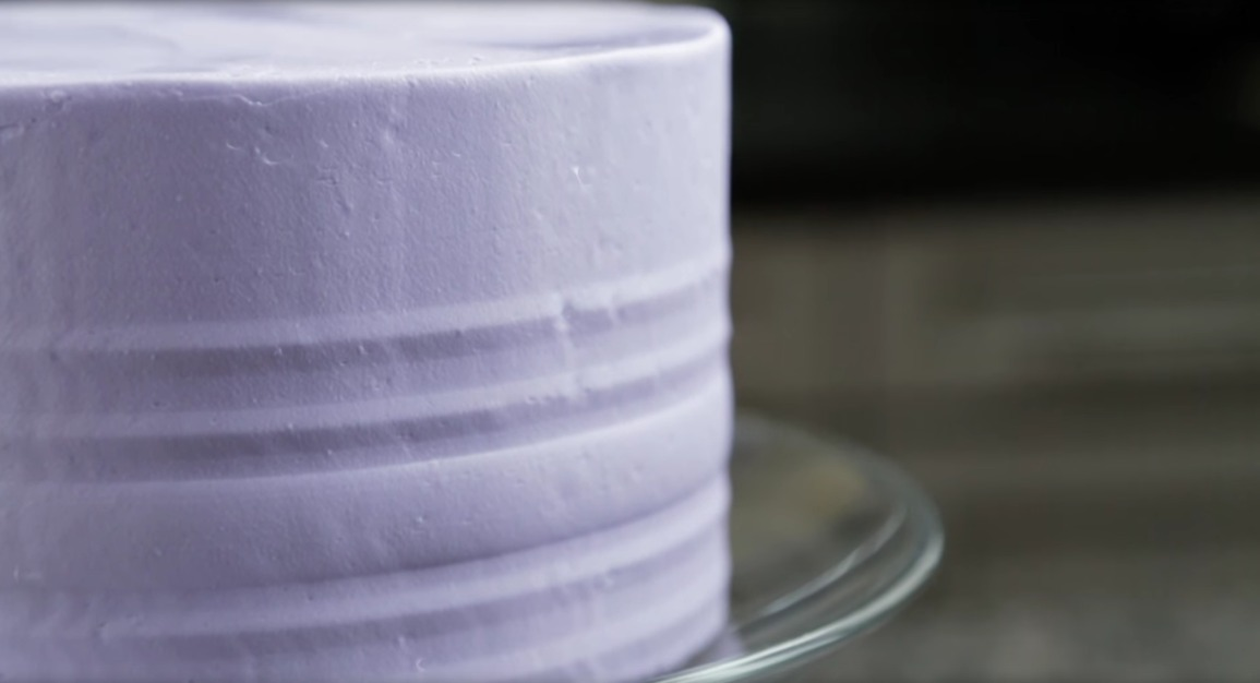 cake comb buttercream