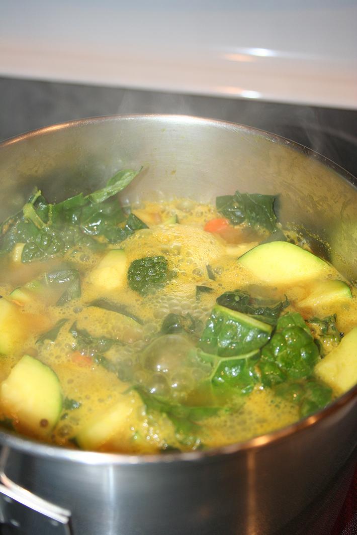 Bring kitchari to boil