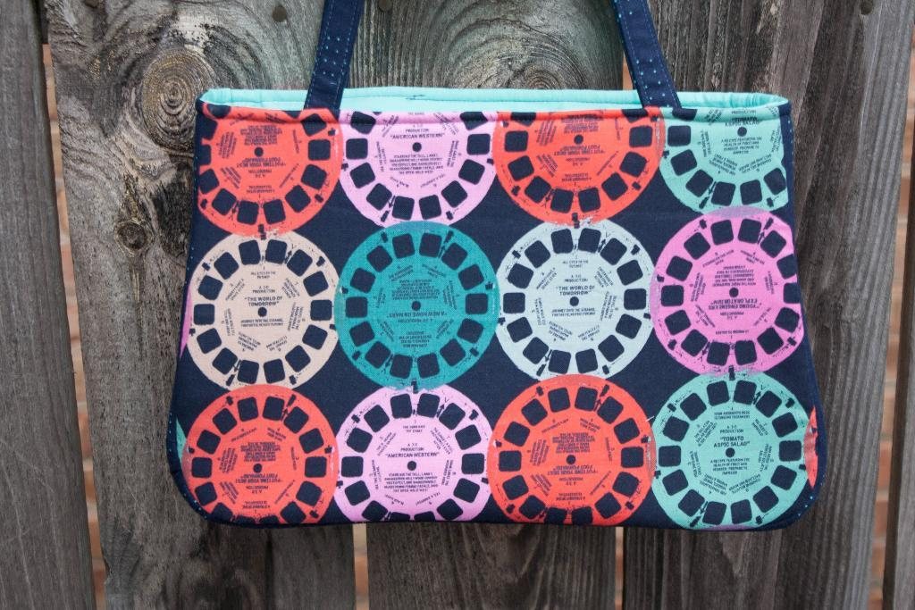 Baker Street Bag Pattern on Bluprint!