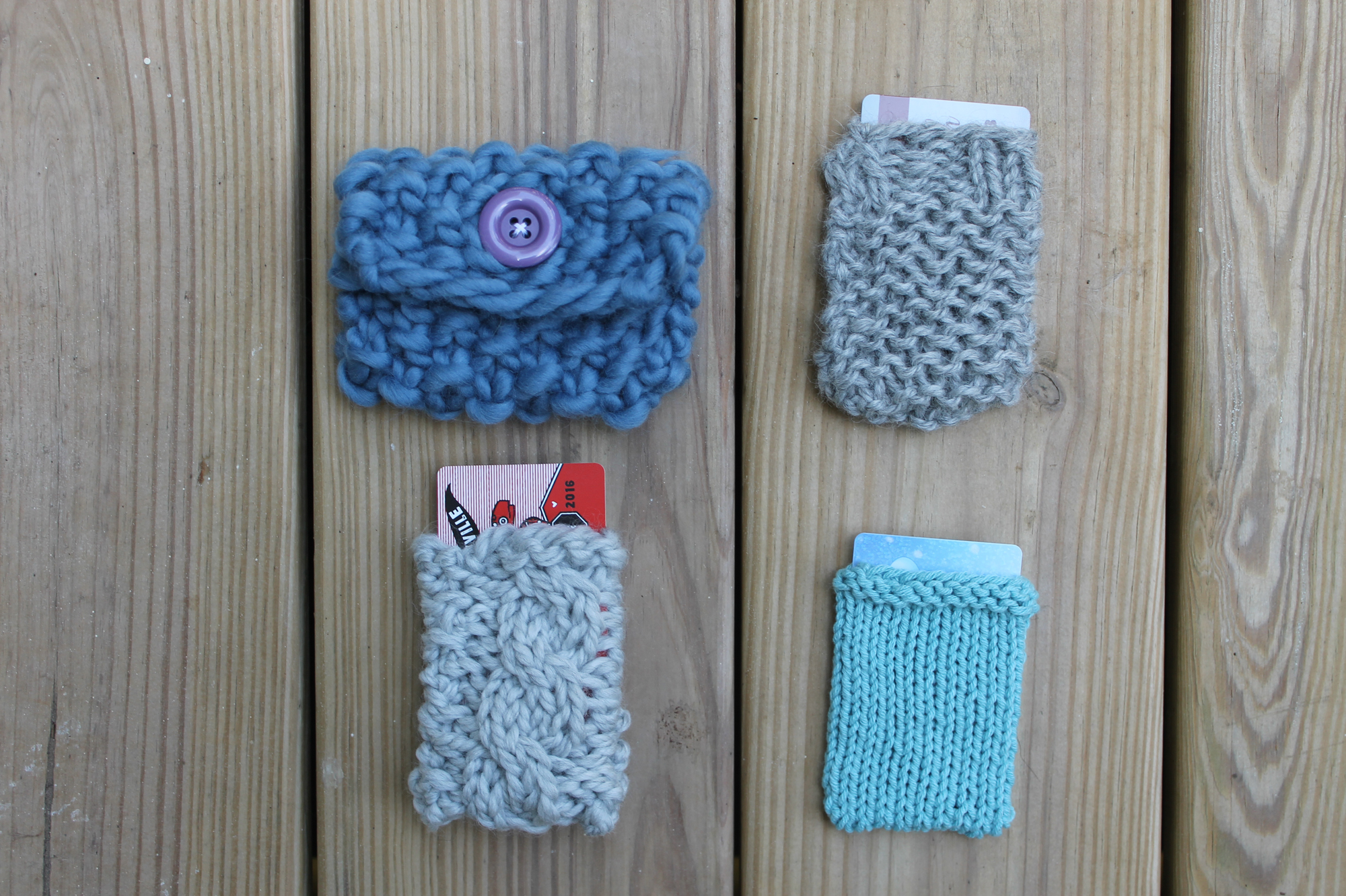 Knitted gift card holder pattern on Craftsy