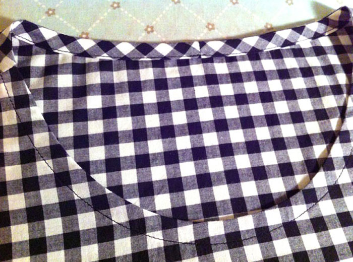 bias binding on gingham top