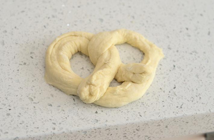 How to make soft pretzels using pizza dough