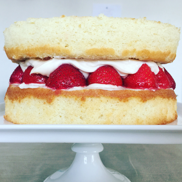 Strawberry Cake Filling Between Two Cake Layers