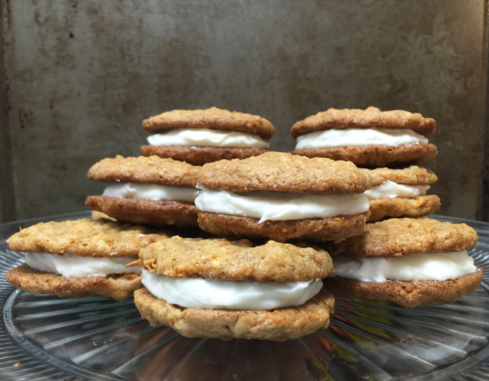 Make these tasty, chewy, oh-so-indulgent carrot cake whoopie pies (with cream cheese frosting!!)