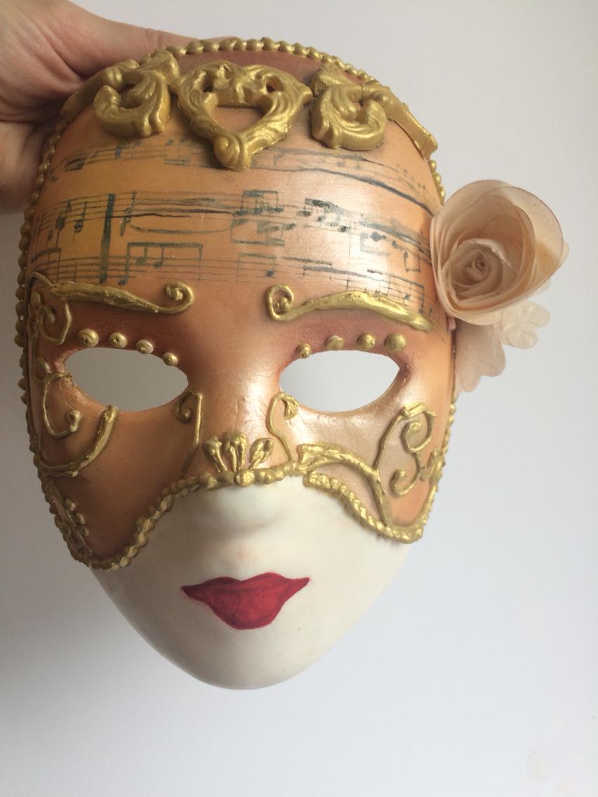 Gold Mask Sugar Art by Bluprint User Jamisa