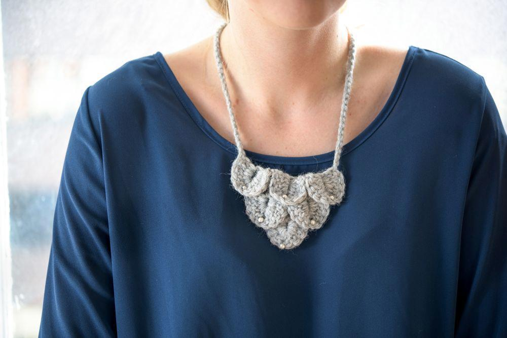 full_3893_340701_simplystunningstatementnecklace_1
