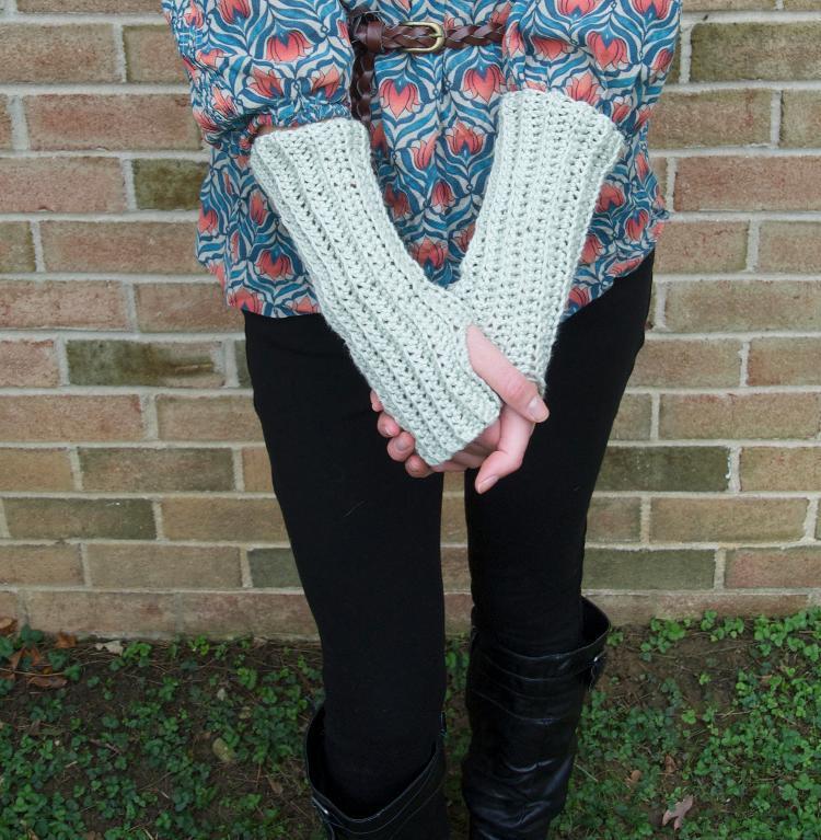 Austere Wrist Warmers Crochet Pattern