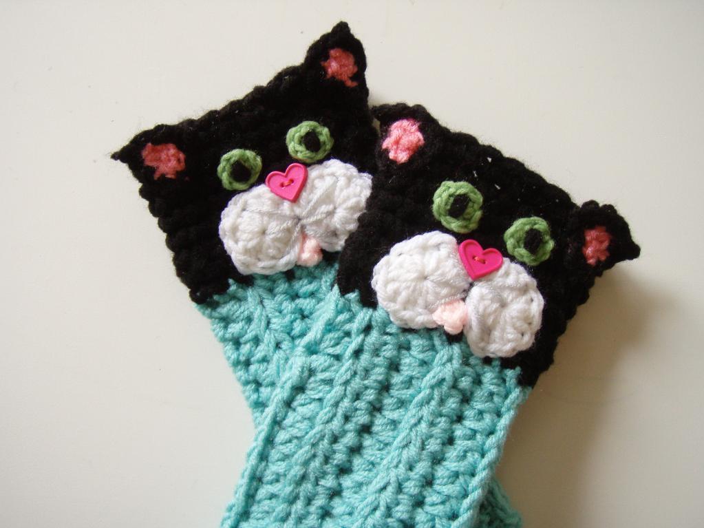 Kitty Cat Fingerless Crochet Gloves