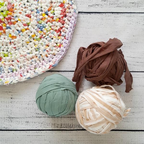 Crocheting Rugs with T-Shirt Yarn