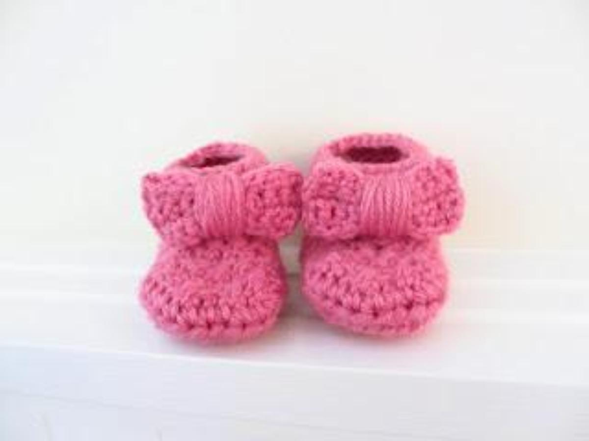 Bow Baby Booties Crochet Pattern