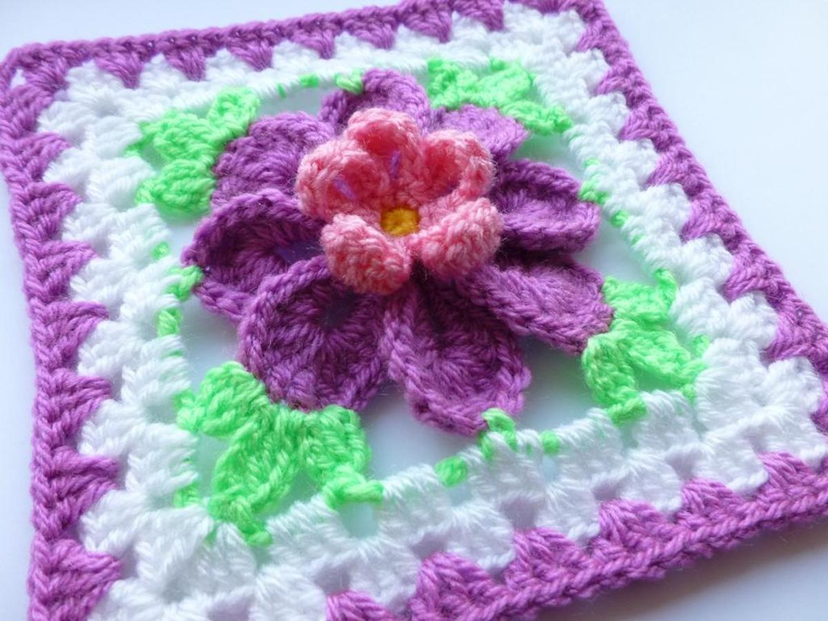 flower granny square crochet pattern
