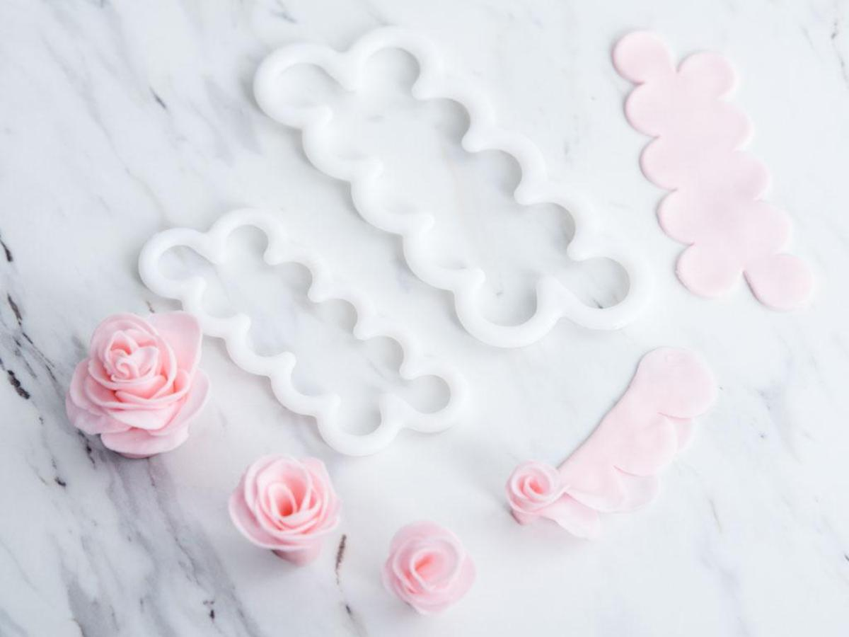 Using Store-Bought Gum Paste to Make Sugar Flowers