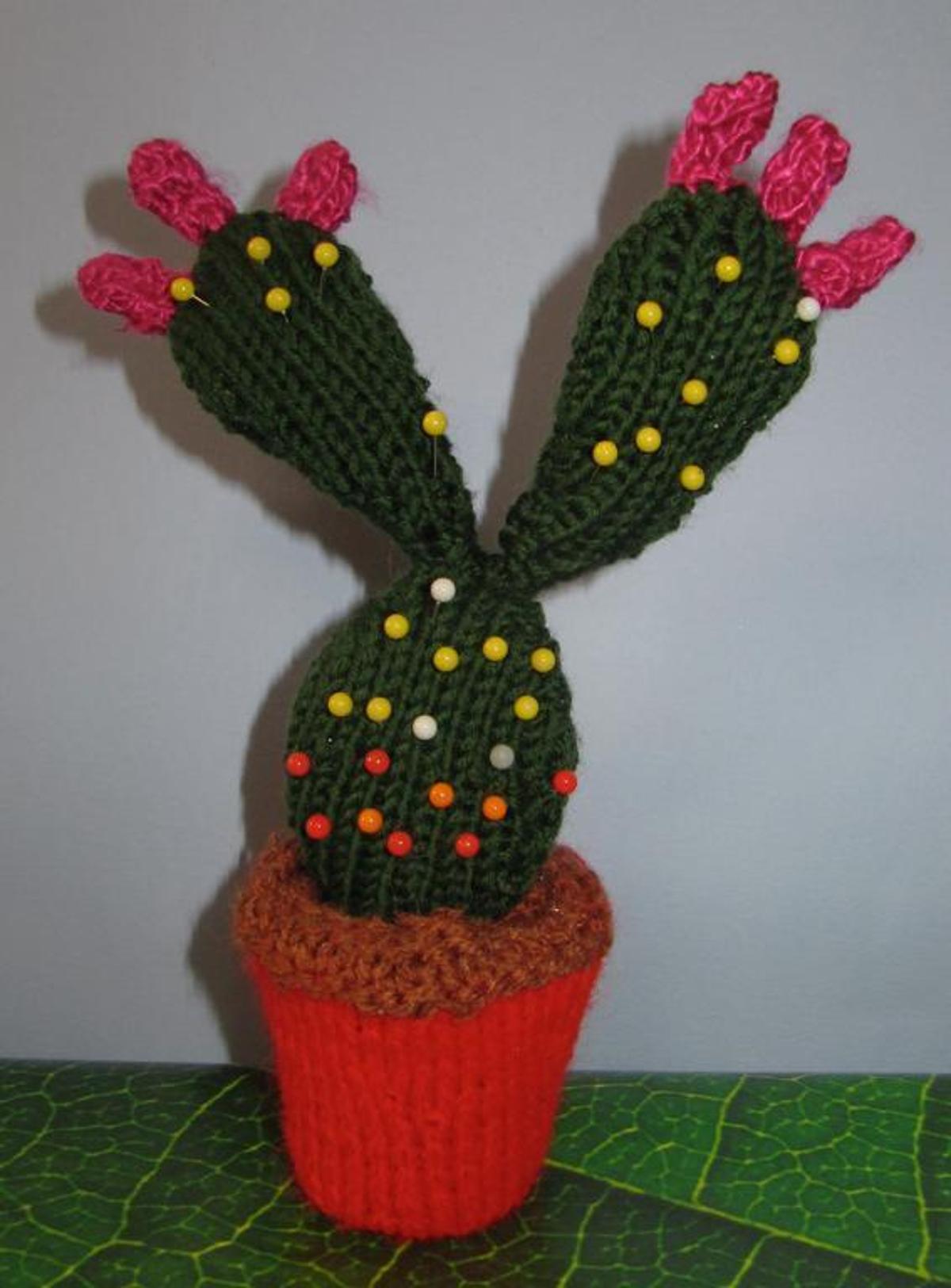 Knit Cactus Pin Cushion