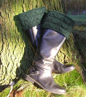 Wavy Cable Boot Toppers FREE Knitting Pattern
