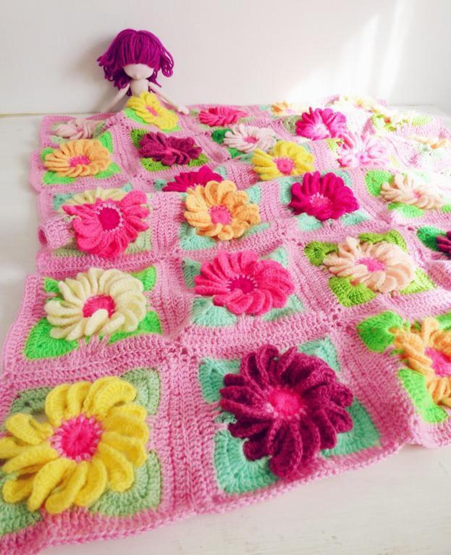 crochet granny square blankie gerbera flower