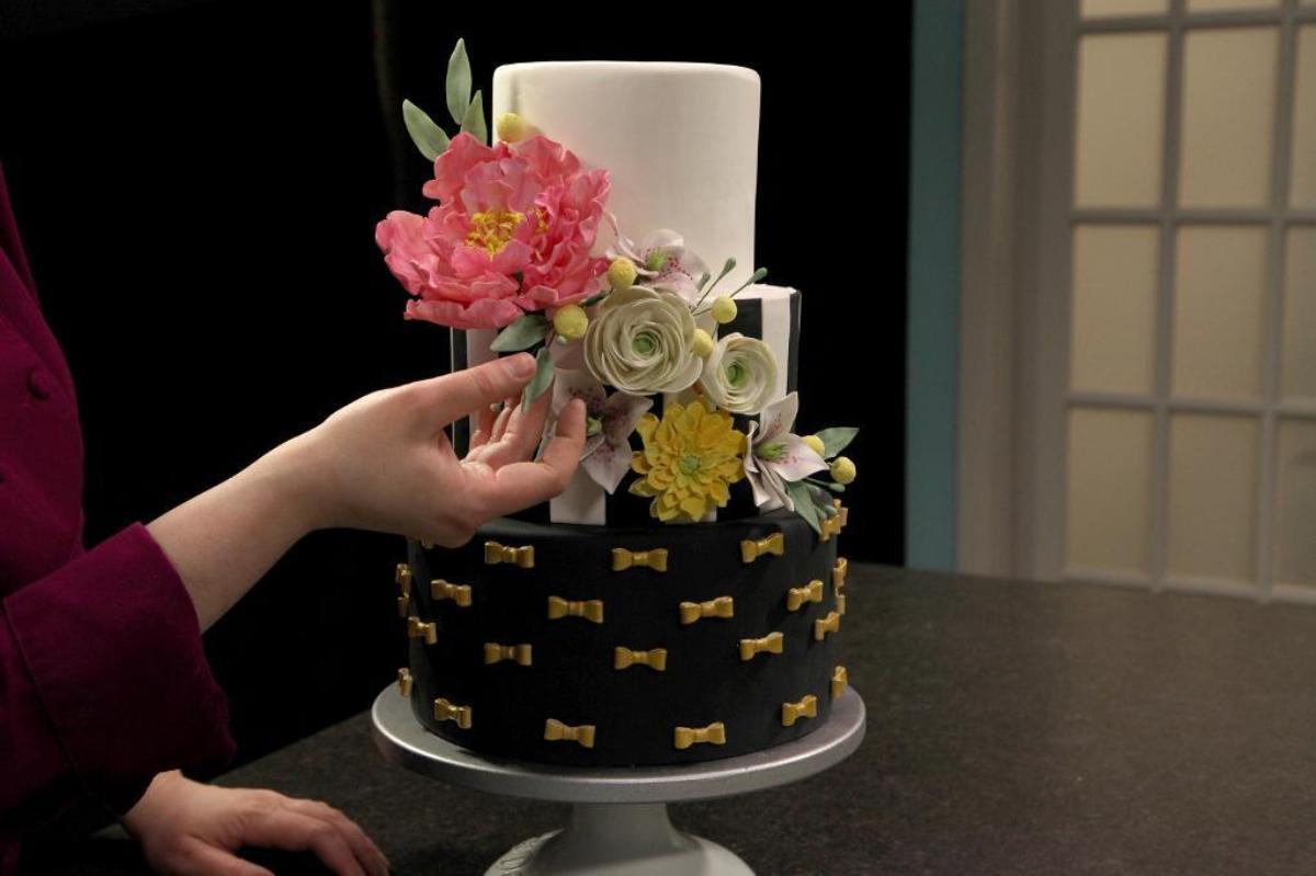 Modern Cake with Sugar Flower