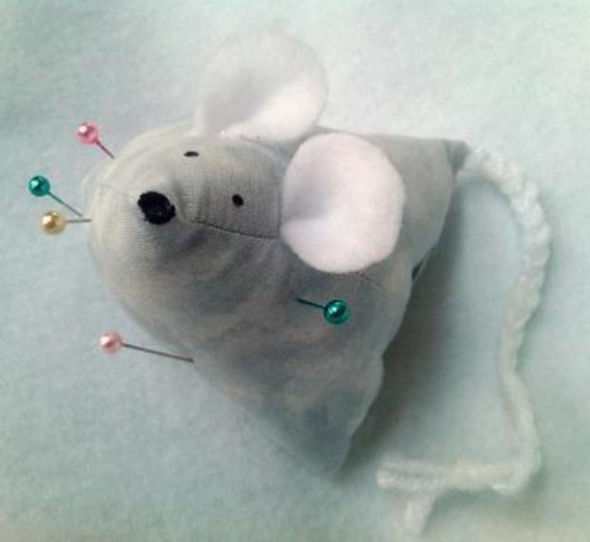 Free Strawberry or Mouse Pin Cushion Pattern