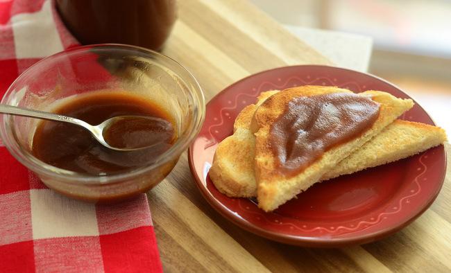 Easy Homemade Apple Butter on Toast