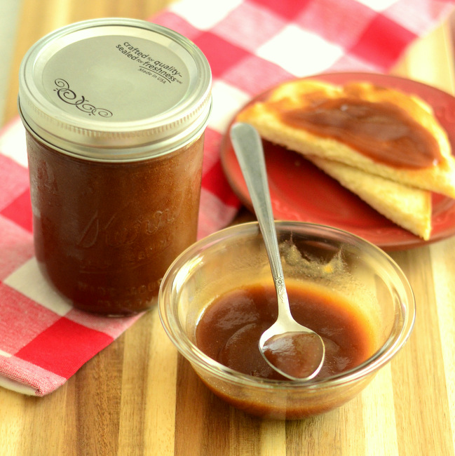 Easy Homemade Apple Butter in a Slow Cooker