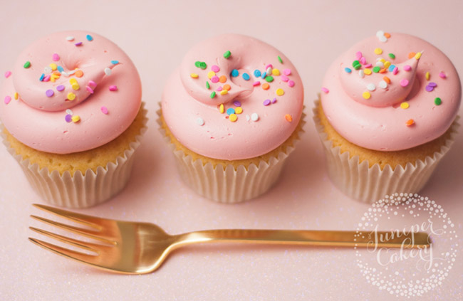 How to bake perfect cupcakes - cupcake troubleshooting FAQs