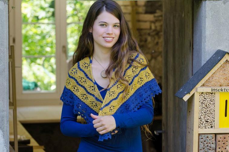 Daisy Shawlette Knitting Pattern
