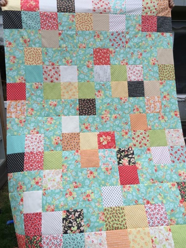 Pinwheel Quilt with Squares