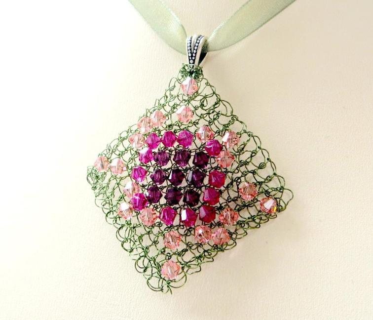 Diamond Wire Knitted Pendant Pattern
