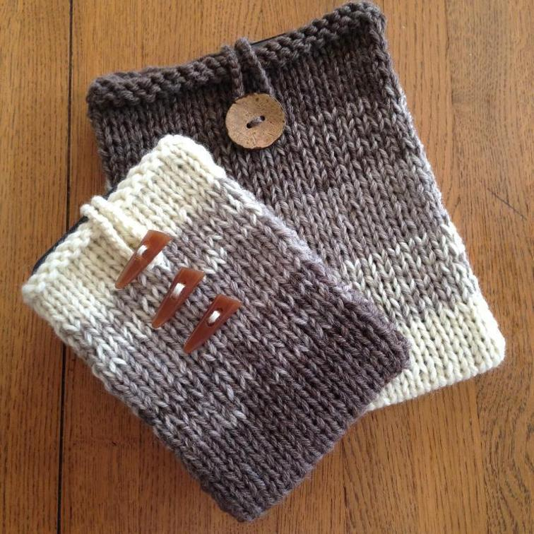 Easy Ombre Kindle/iPad Cover Knitting Pattern