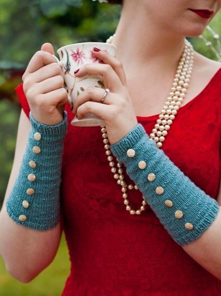 Fleur Arm Warmers Knitting Pattern