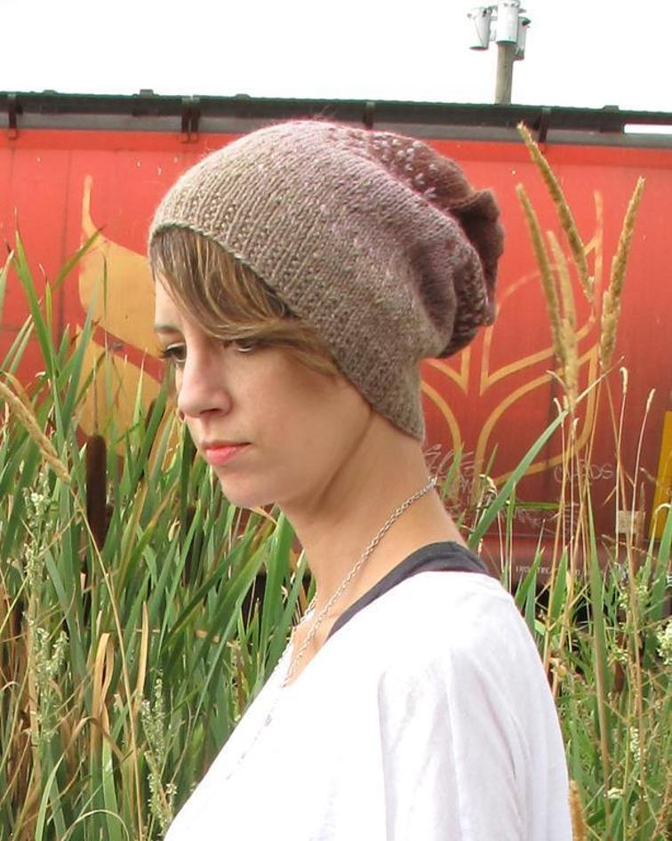 Ombre Slouchy Hat Knitting Pattern