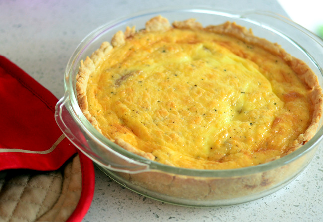 How to Make a Simple Ham and Cheese Quiche