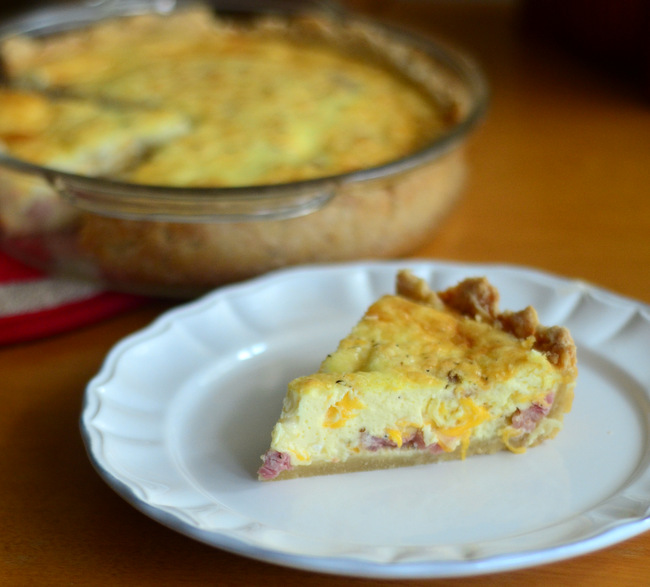 How to Make a Ham and Cheese Quiche