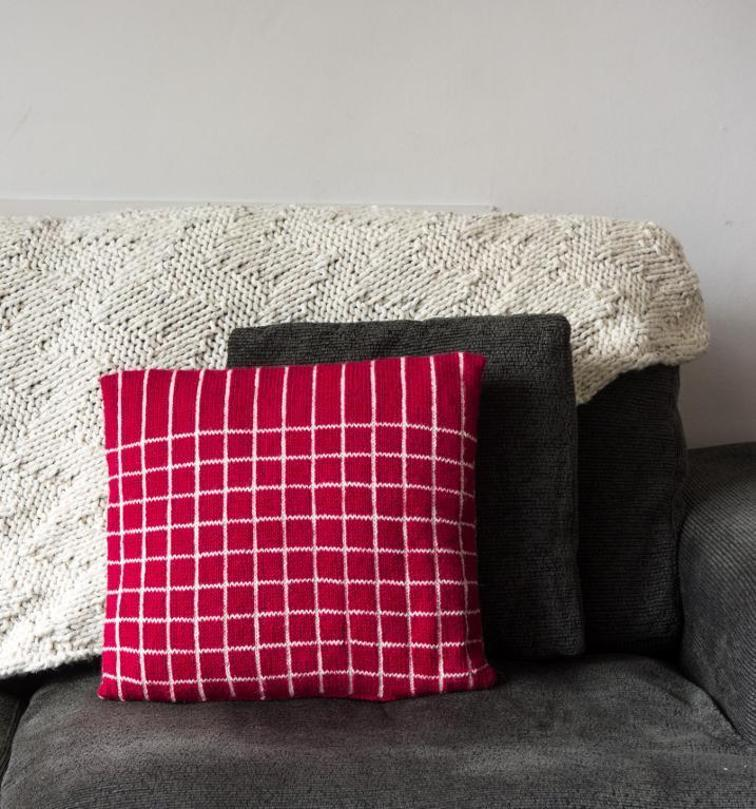 Retro Cushion Cover Knitting Pattern