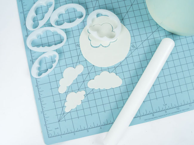 Cutting Out White Fondant Clouds