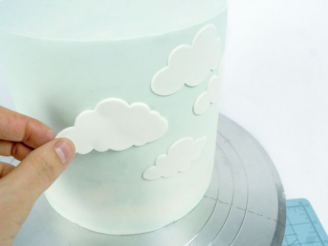 Fondant Clouds on Round Cake